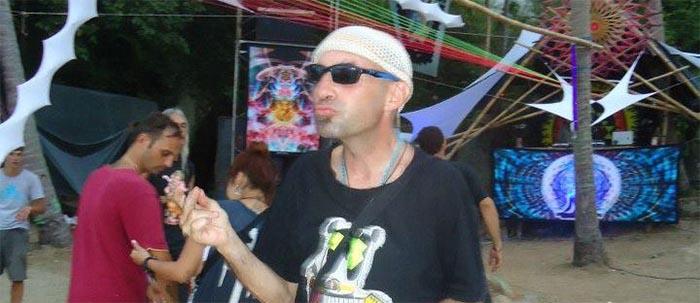 http://phanganist.com/sites/default/files/pictures/charlie-bd.jpg