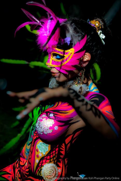 mona-body-art-by-phanganist-35.jpg