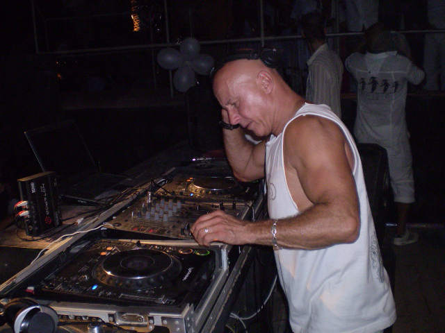 graham gold, dj , house music, party, phangan