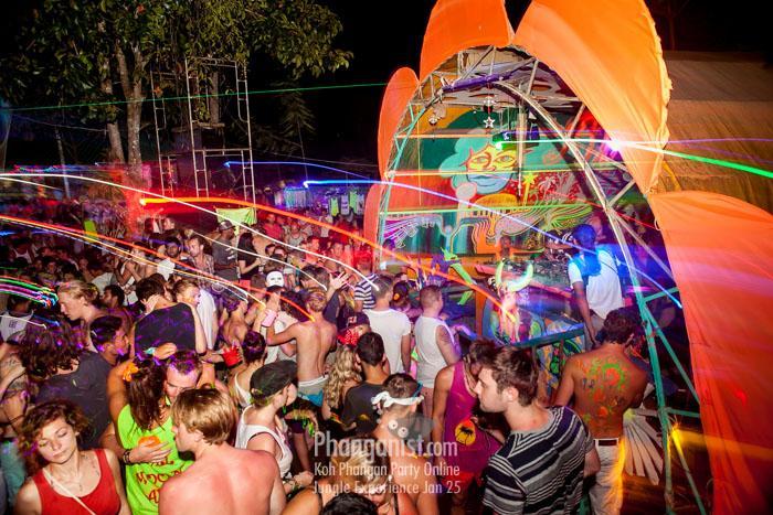 jungle experience party marco loco mia escobud underground tales