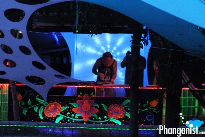 Half Moon Party April 29, 2012 - koh Phangan