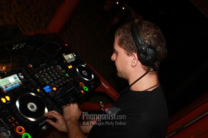 DJ Rob Gritton resident in Jungle Experience Koh Phangan