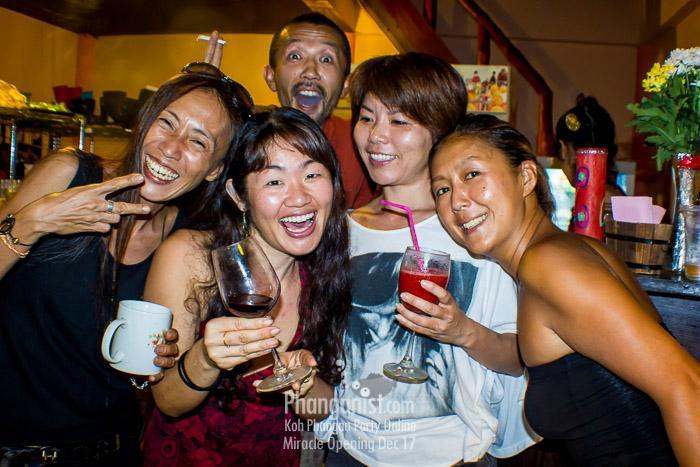 Miracle cafe and restaurant ban tai